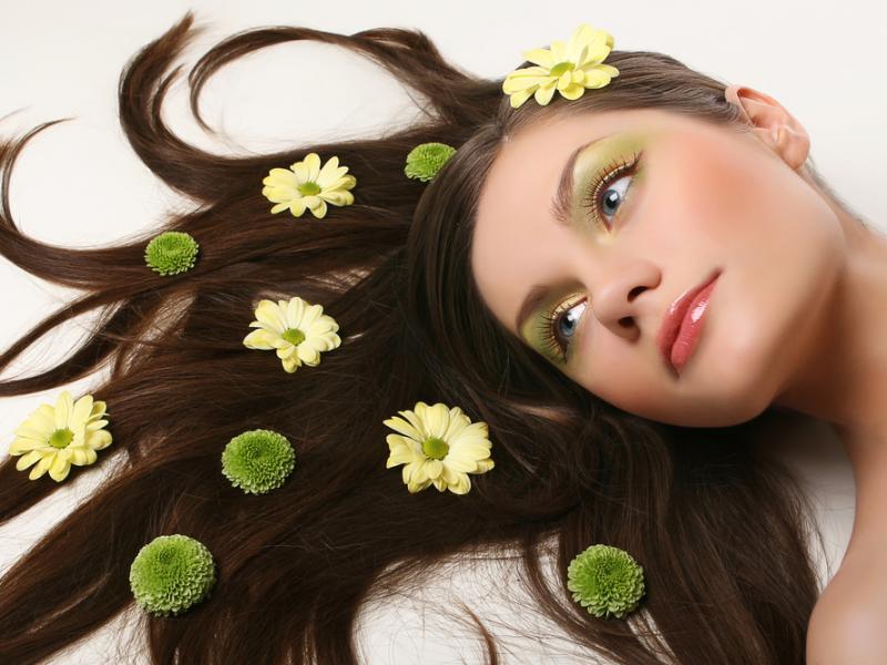 Pięke włosy są zasługą spożywania optymalnych ilości niektórych witamin i minerałów