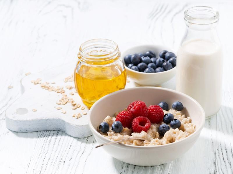 Najlepsze pory posiłków - kiedy jeść śniadanie, obiad, kolację?