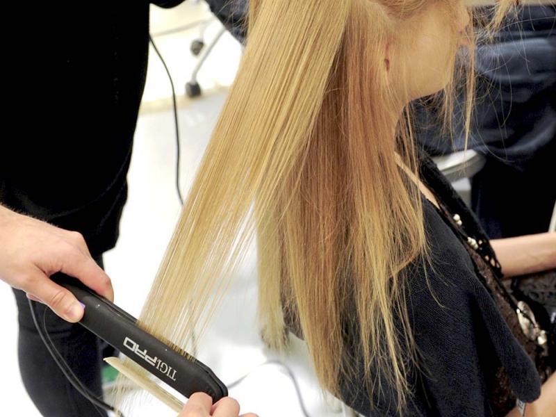 Co powinnaś wiedzieć o prostowaniu włosów