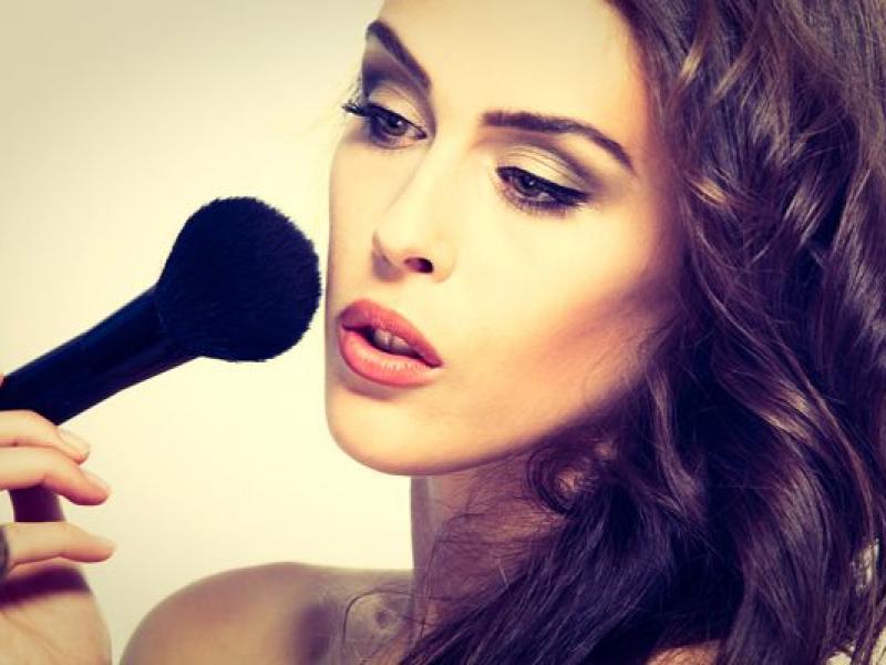 Co robić, gdy masz alergię na makijaż?