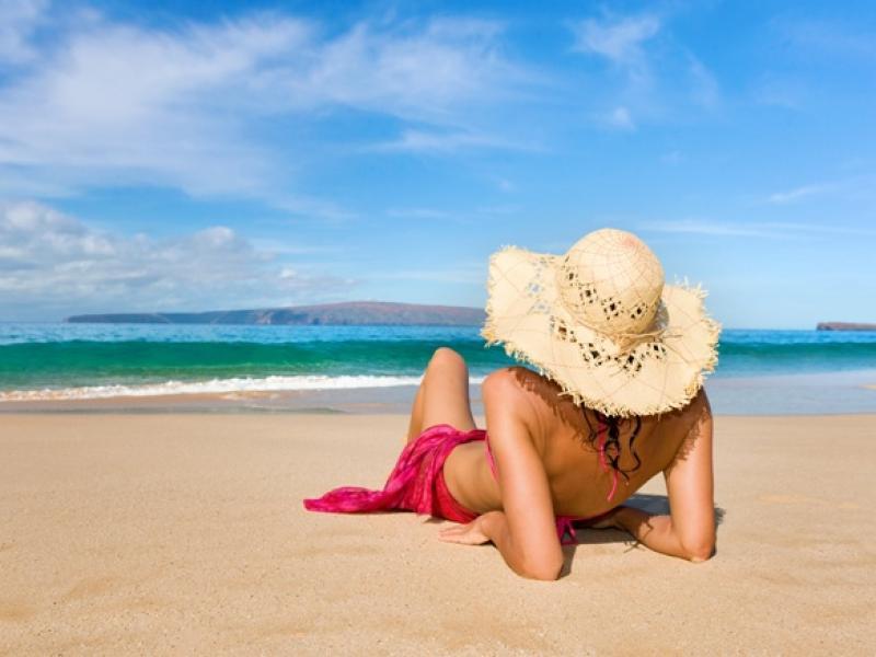 Co spakować do torby plażowej?