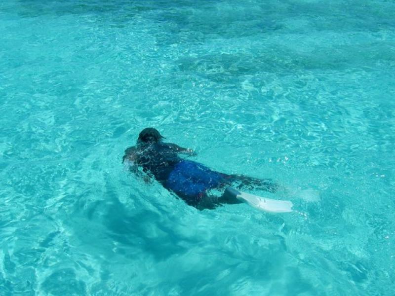Umiejętność pływania pod wodą nabywamy zarówno przez trening mentalny, jak i fizyczny.