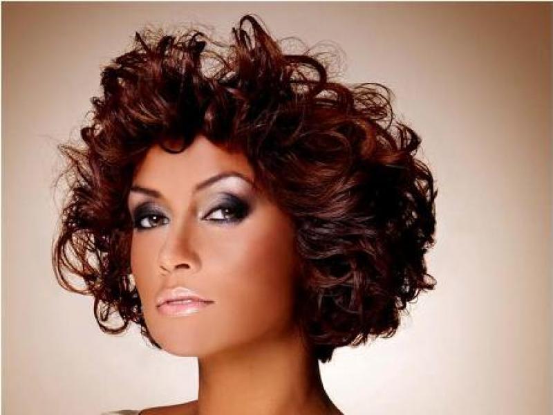 Co zrobić, aby wbrew naturze nadać włosom mega objętości?