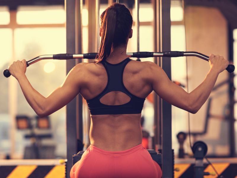 Ćwiczenia na plecy wzmacniają mięśnie i poprawiają postawę. Mamy dla was 7 najskuteczniejszych