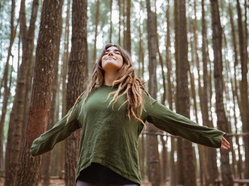 ćwiczenia relaksacyjne drzewo na wietrze