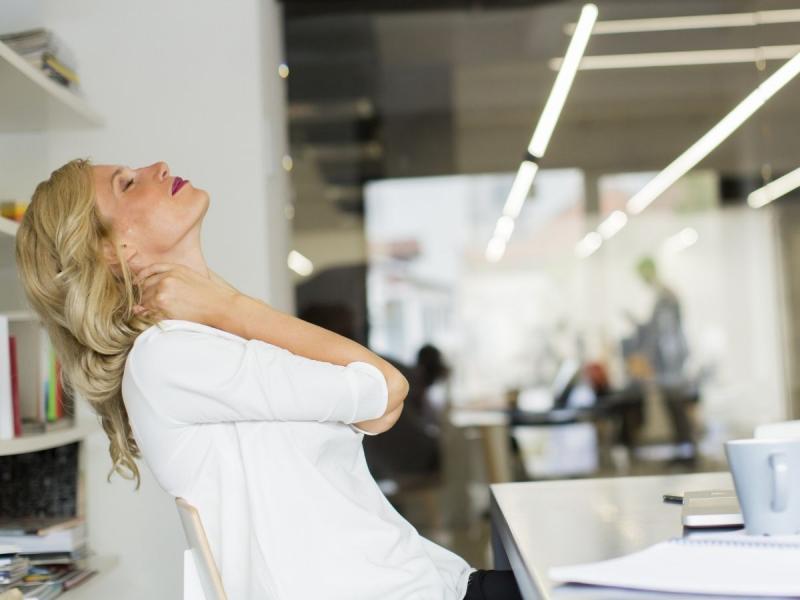 ćwiczenia relaksacyjne ramion i karku