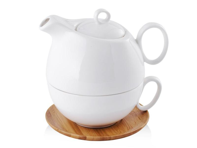 czajniczek z filiżanką