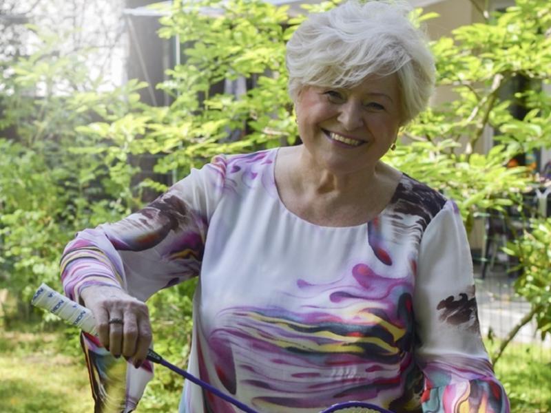 """Czy świat badmintona w PRL-u może być fascynujący? Jadwiga Ślawska - Szalewicz, autorka  książki """"Moja podróże z lotką"""" przekonuje, że tak!"""