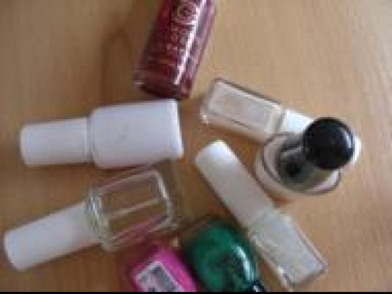 Czy wiesz jak dbać o lakier do paznokci?