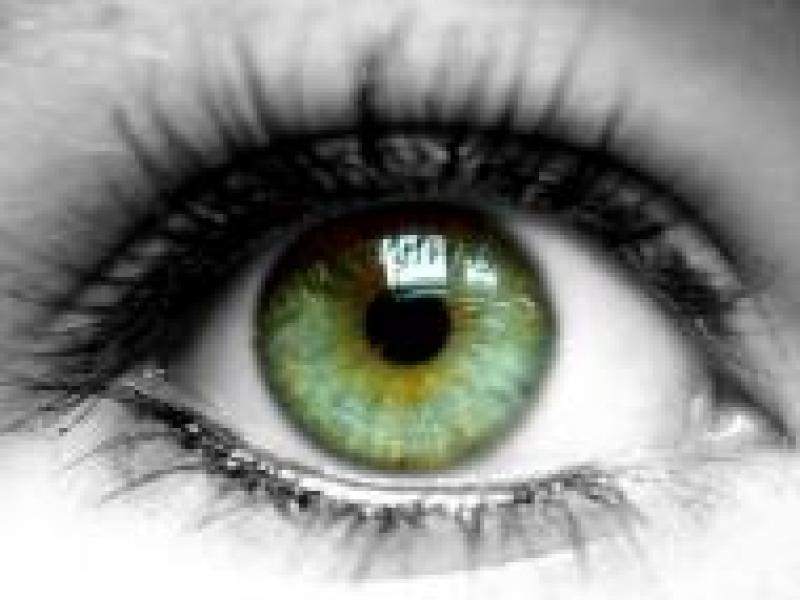 Czy wiesz jak optycznie zmienić kształt oka?