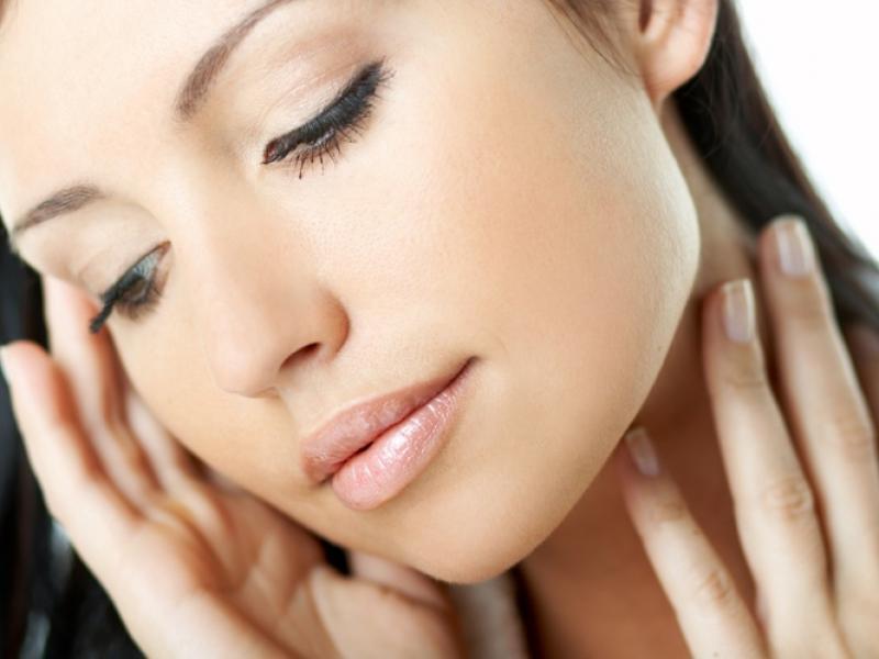 Czy wiesz jak otrzymać efekt naturalnego makijażu?
