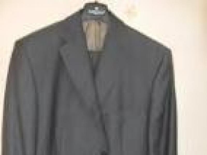 Czy wiesz jak powinieneś nosić prawidłowo garnitur?