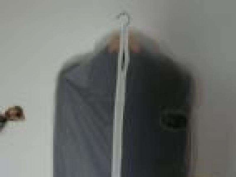 Czy wiesz jak przechowywać garnitur?