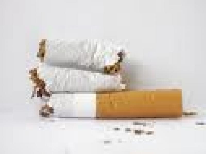 Czy wiesz jak usunąć przebarwienia dłoni po papierosach?