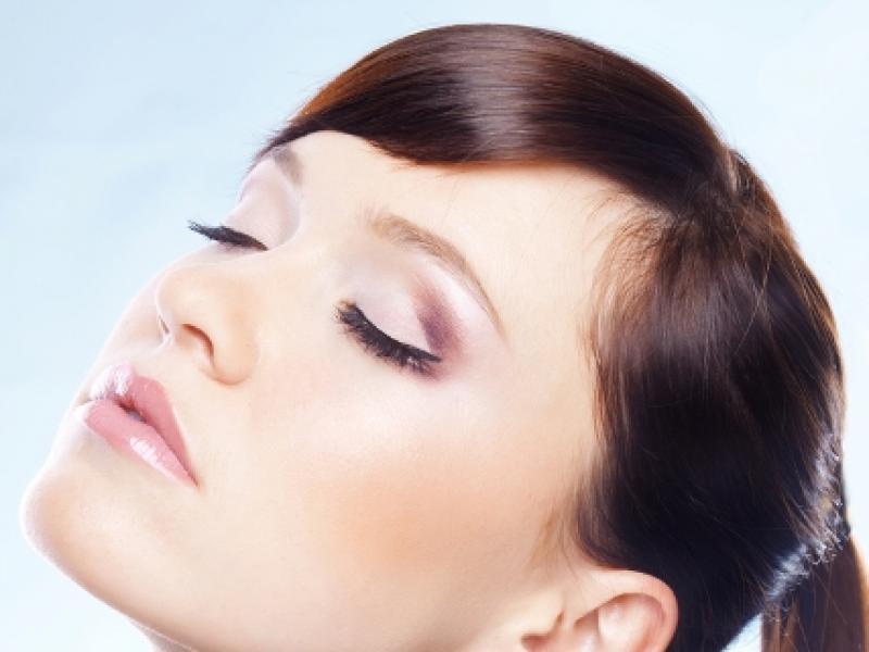 Czy wiesz jak usunąć resztki makijażu?