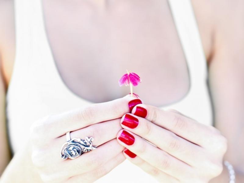 Czy wiesz jak walczyć z wrastaniem paznokci?
