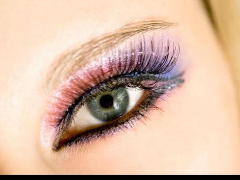 Czy wiesz jak wykonać makijaż pastelową kreską?
