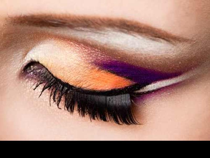 Czy wiesz jak zmienić kształt oka za pomocą makijażu?