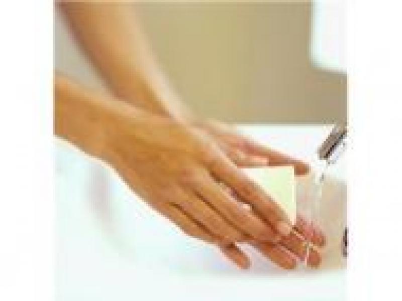Czy wiesz jak zrobić domowe zabiegi pielęgnujące dłonie?