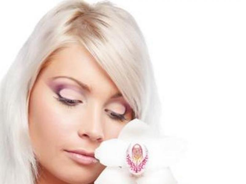 Czy wiesz jak zrobić makijaż dla chłodnej blondynki?