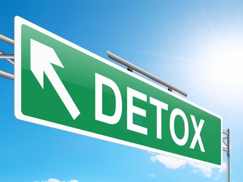 Dietetyk czy naciągacz? Detoks, gluten, toksyny i inne kłamstwa. Rozważania dietetyka