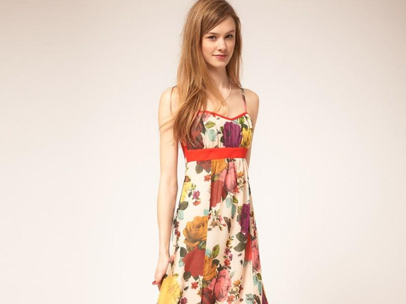 90e226bda7 Długa sukienka spódnica dla niskiej kobiety - Jak się ubrać - Polki.pl