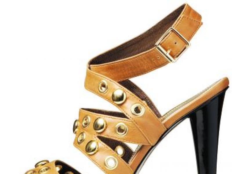 Dobór butów do stroju