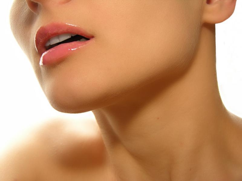 Domowa pięlęgnacja skóry szyi i dekoltu