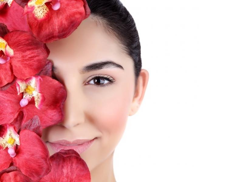 Domowy tonik kwiatowy dla skóry - zrób sama!