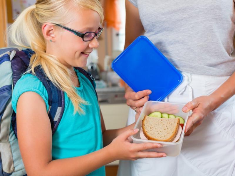Drugie śniadanie – co dawać dziecku do szkoły?