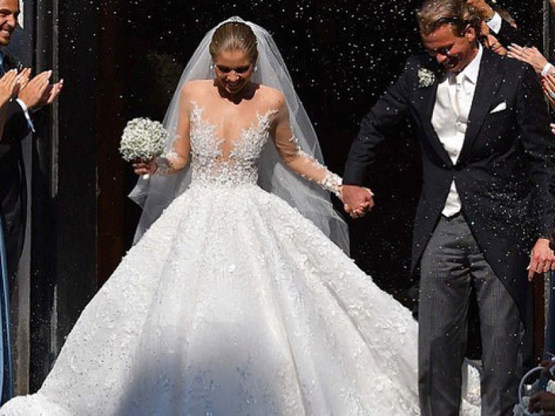 Bardzo dobra Victoria Swarovski wyszła za mąż w kryształowej sukni - Newsy US79