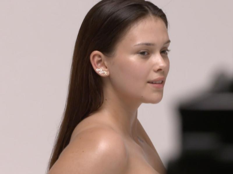 Supermodelka Plus Size - naga sesja dziewczyn w programie