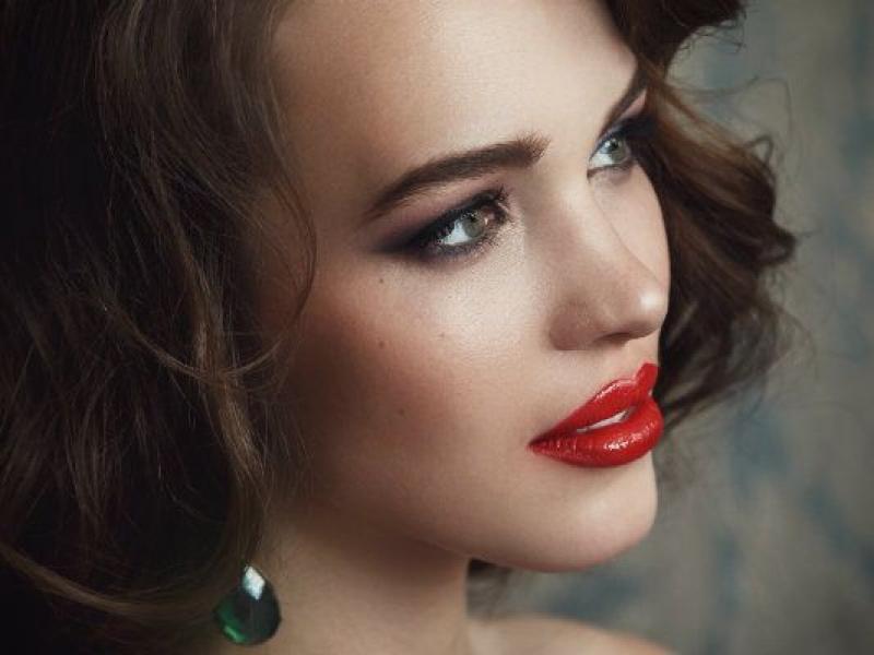 Elegancki makijaż na bal karnawałowy