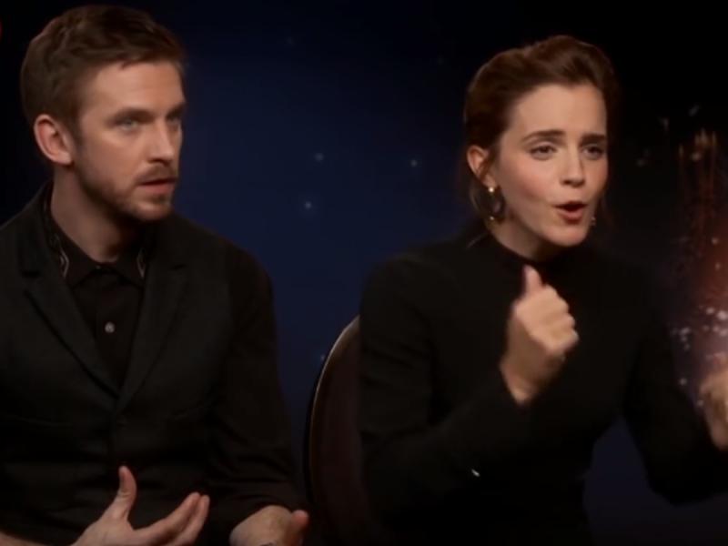 Emma Watson przerwała wywiad, wstała, podeszła do dziennikarki i... zrobiła coś niespodziewanego!