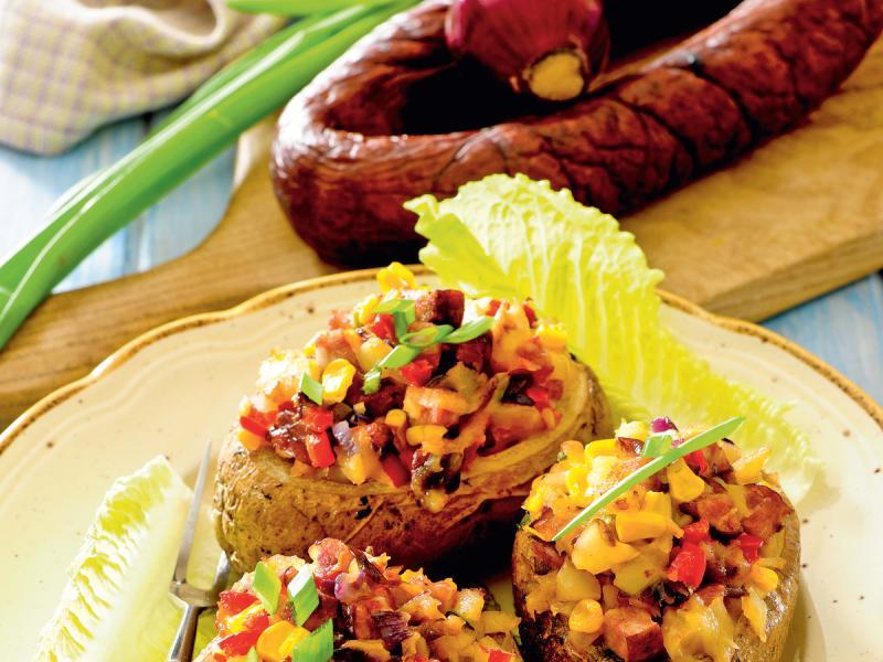 Faszerowane ziemniaki z łososiem i serem