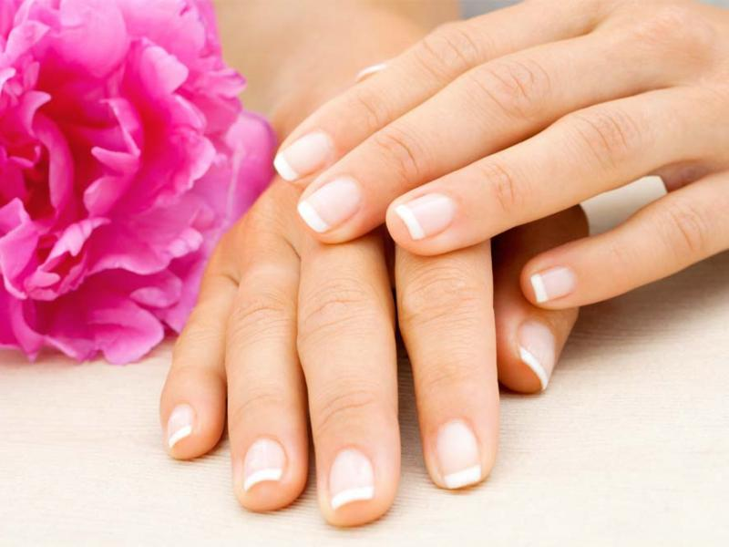 French manicure - to proste! Możesz go wykonać sama w domu