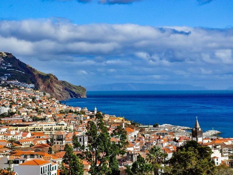 Gdzie jechać na wakacje w maju? 5 najlepszych propozycji