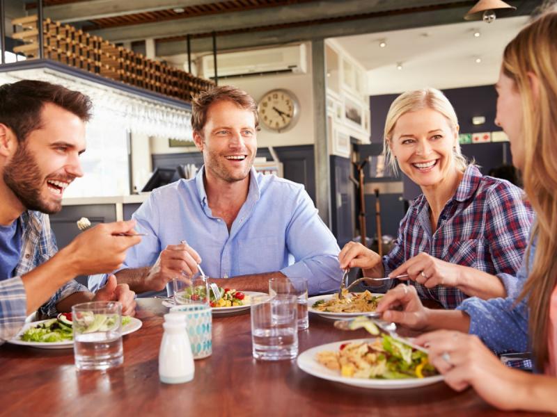 Gdzie warto się wybrać na lunch w Warszawie? Oto 5 sprawdzonych miejsc!