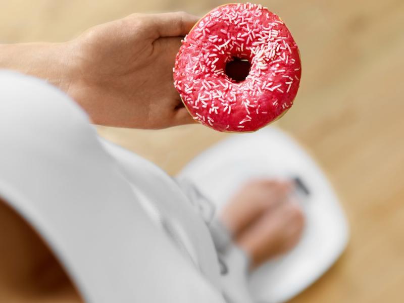 Gorzkie skutki słodkiej diety! 5 negatywnych następstw jedzenia cukru