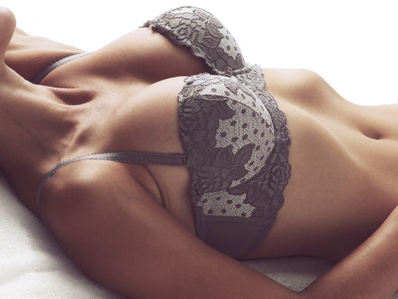 Hybrydowe powiększanie piersi - tak czy nie?