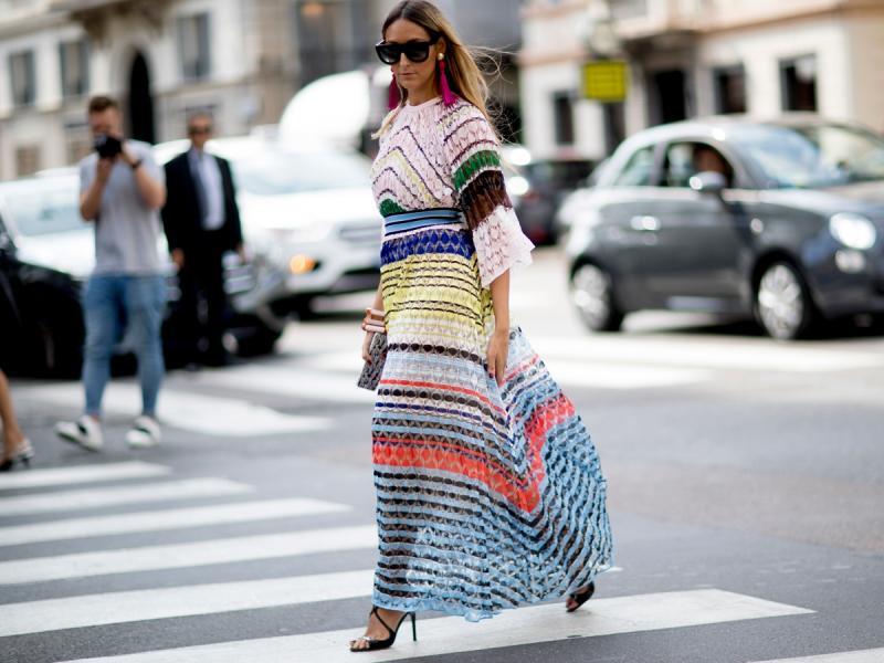 Idealne na upały! 15 sukienek maksi, które optycznie wysmuklą sylwetkę