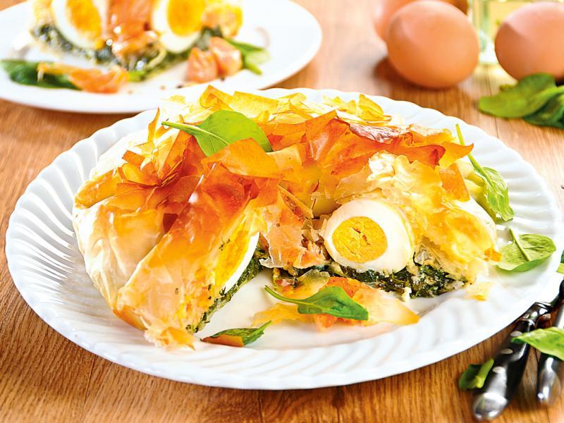Jajka na szpinaku w cieście filo