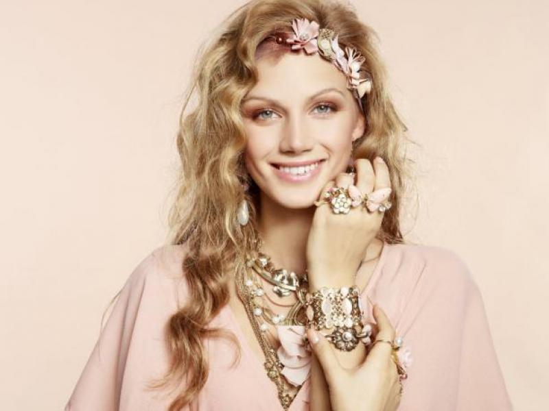 Jak biżuteria zmienia nasz styl