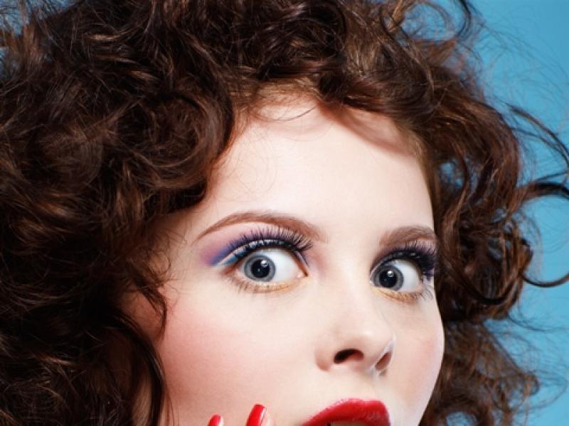 Jak makijaż wpływa na trądzik?