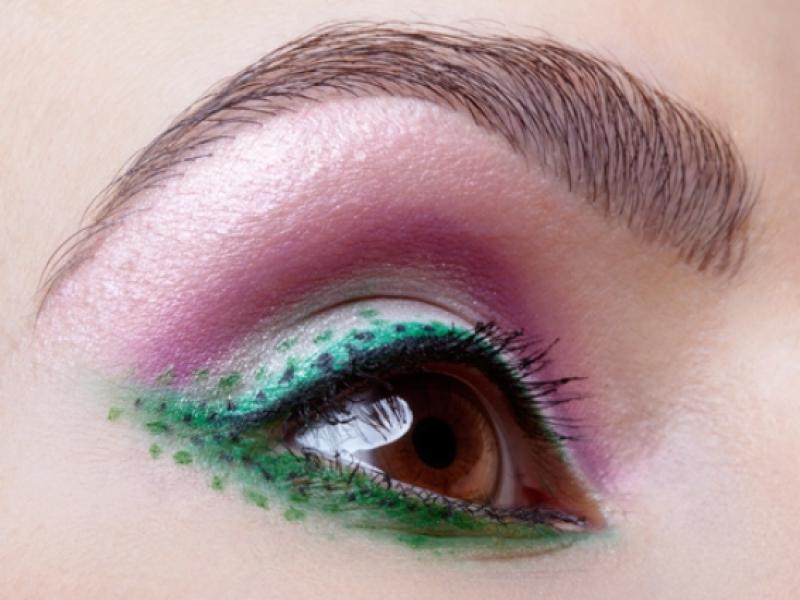 Jak malować bardzo małe oczy?
