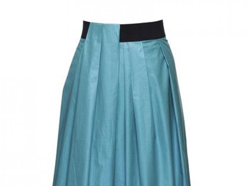 Jak nosić długą spódnicę - 7 pomysłów na stylizację