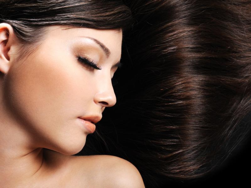 Jak odżywiać włosy od wewnątrz?