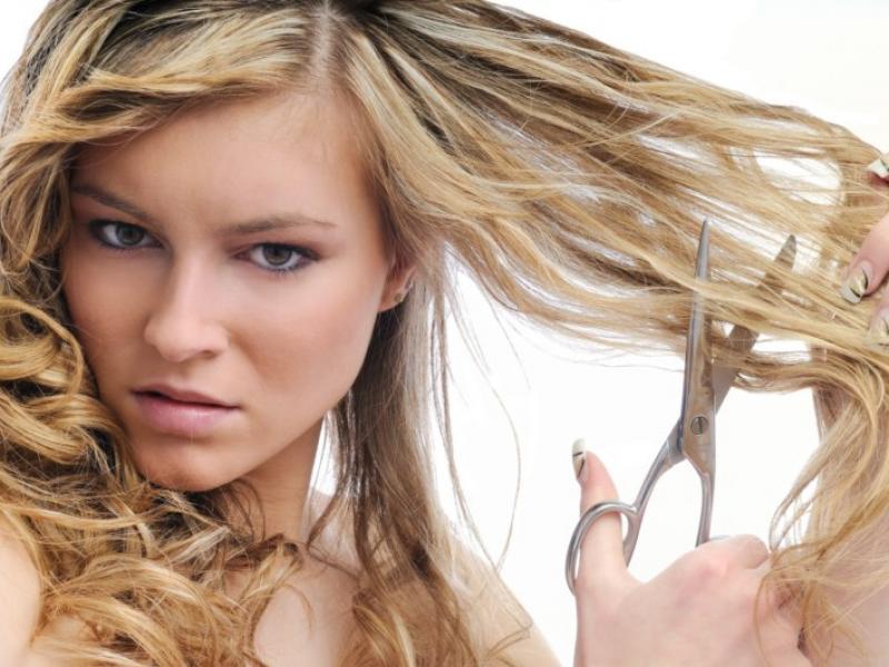 Jak odżywić łamliwe włosy?
