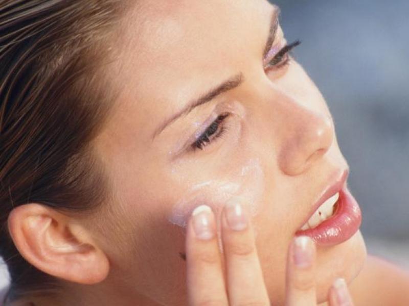 Jak pielęgnować skórę po urlopie