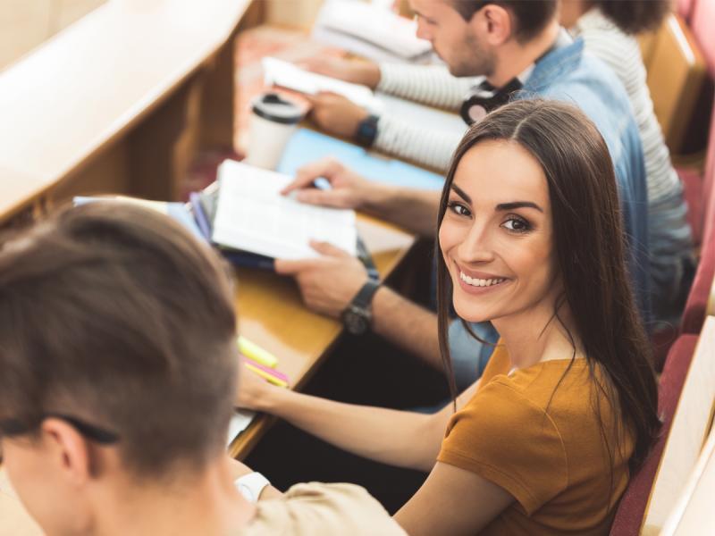 Jak połączyć pracę ze studiami i nie zwariować?